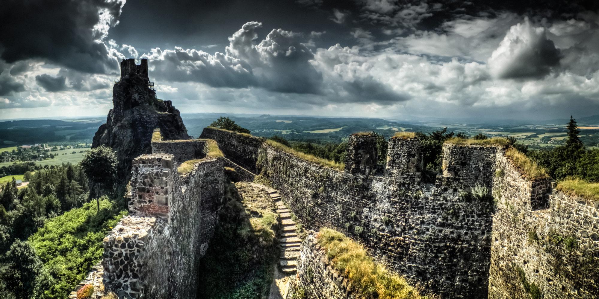 hrad_trosky